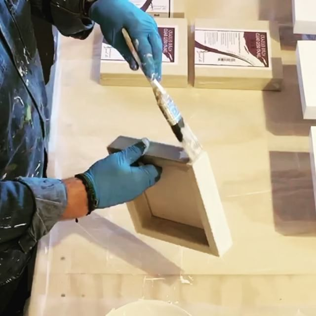 Today in the studio: It's white gesso on a huge pile of wood panels. If the art gods are willing and the coffee ️ does not run out a few of these will be at my January @startupartfair show in Los Angeles. I'm jamming in as much work as possible between holiday events. . . Quick time lapse video of the gesso coat then I'll be on the multiple gloss undercoats. A couple of hours to dry a bit of sanding and on to the next step. Day in the life. .