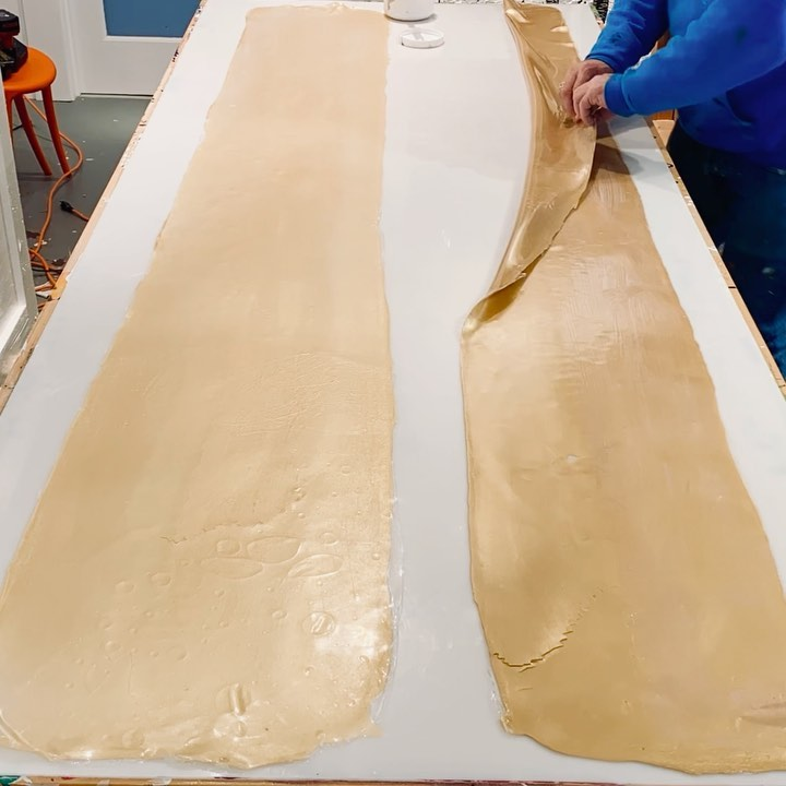 Scale up no problem. Five and six foot gold paint skin loops on the way. Going bigger in 2021. Stay safe y'all.   . . If you would like to purchase a painting or commission a piece please  DM or call me. I can set up a private studio visit or virtual visit by Zoom/ FaceTime.  .  . . . . . .